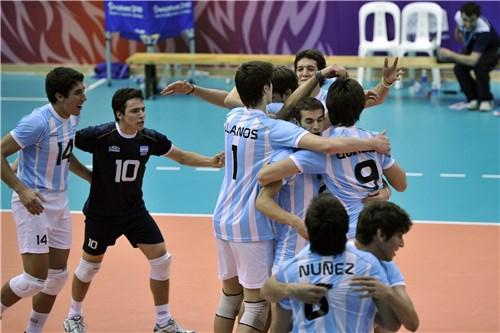 Argentina festeja frente a Irán