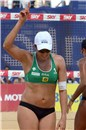 Ângela (BRA) celebrates a point over twice gold medallist Walsh/May (USA)