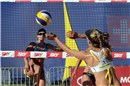 April Ross (USA) tries to reach the Mikasa