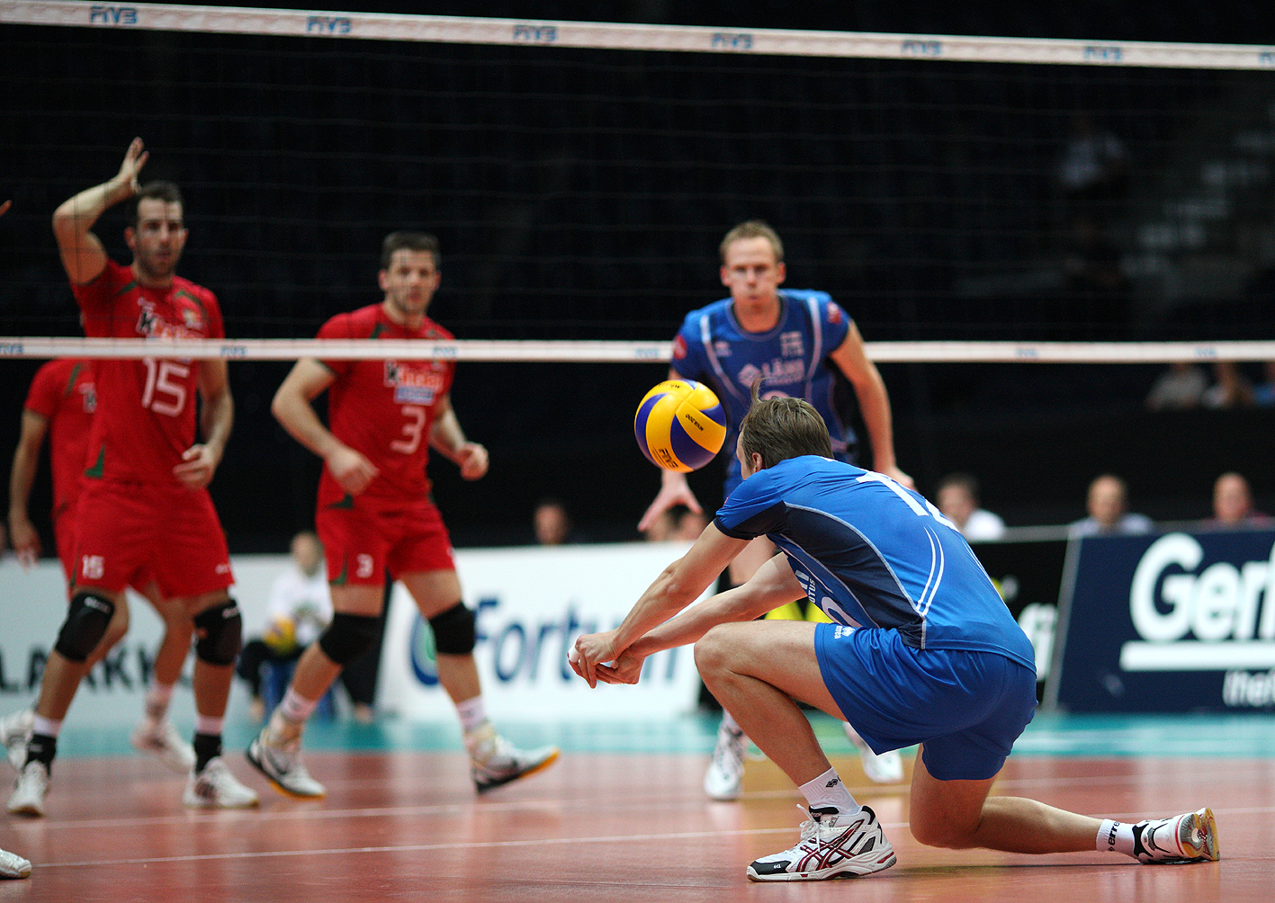 http://www.fivb.org/Vis2009/Images/GetImage.asmx?No=201110827&maxsize=500