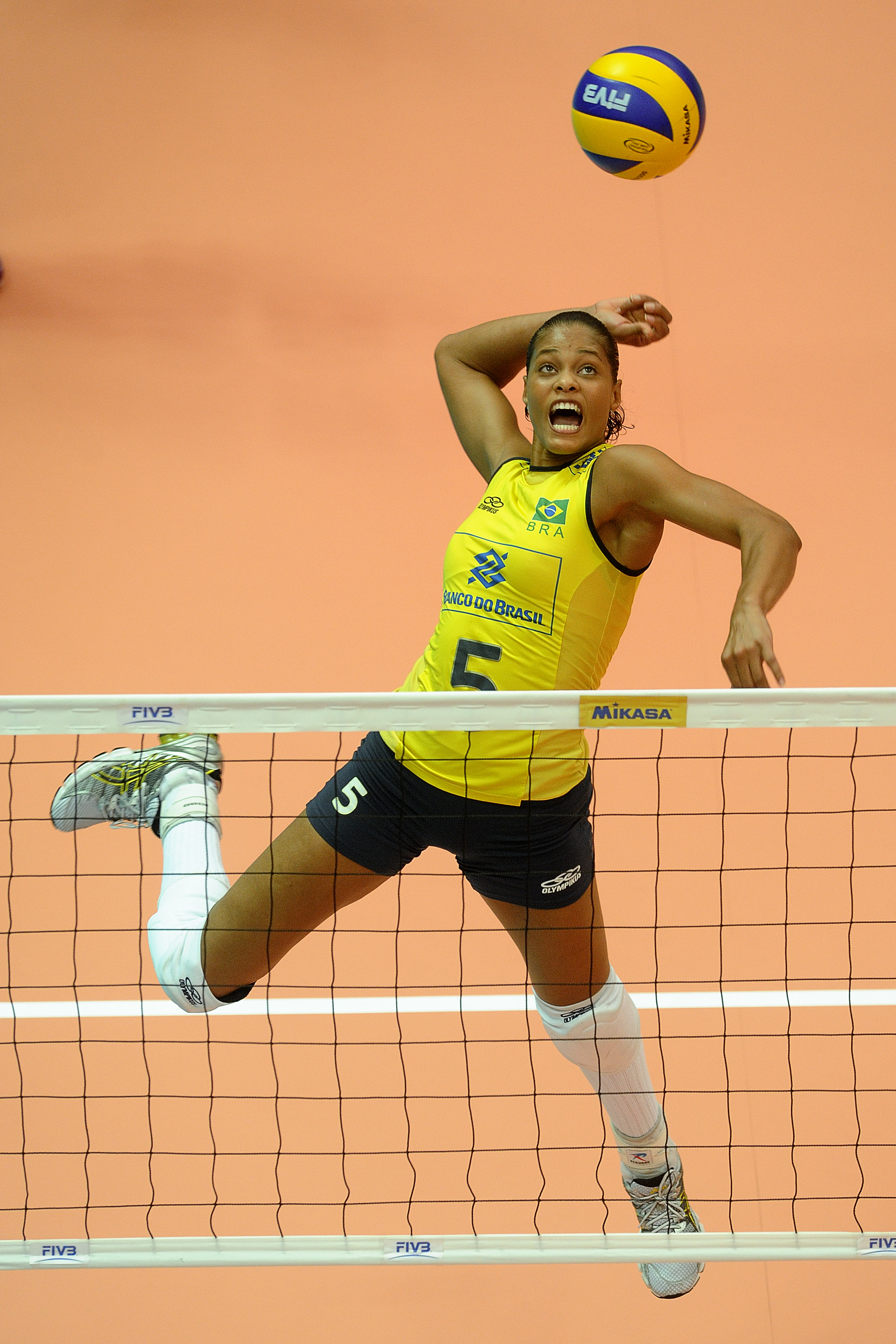 Adenizia Silva three meters attack