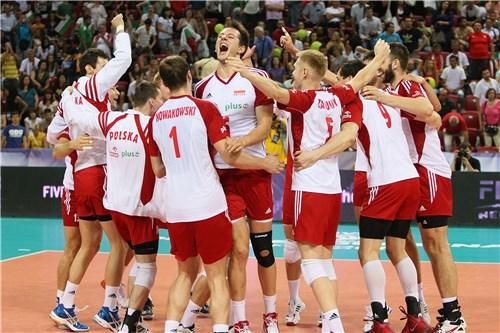 Polonia festeja