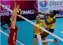 Danielle Lins sets Fabiana Claudino and hit the ball in block of Yimei Wang