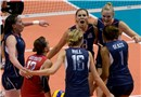 USA with Lauren Gibbemeyer celebrate the second set wn