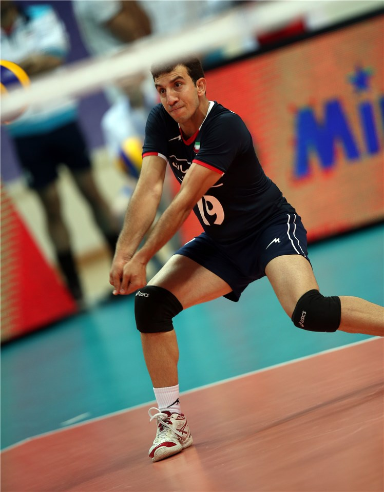 http://www.fivb.org/Vis2009/Images/GetImage.asmx?No=201480073&maxSize=960