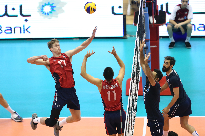 والیبال ایران و امریکا عکس والیبالیستها عکس والیبال عکس لیگ جهانی والیبال تماشاگران والیبال ایران اخبار والیبال اخبار لیگ جهانی والیبال