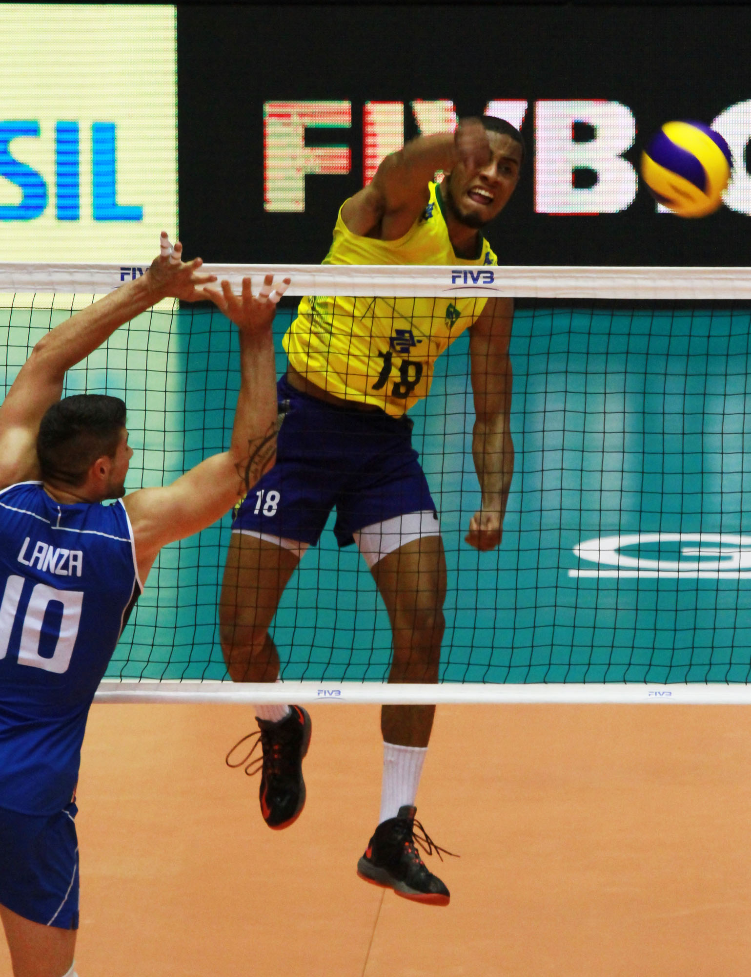 http://www.fivb.org/Vis2009/Images/GetImage.asmx?No=201489987&maxSize=960