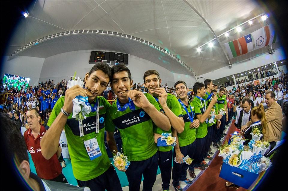 رسول آقچهلی: برنز جهان را به ایرانیان و اهالی ترکمن صحرا تقدیم میکنم