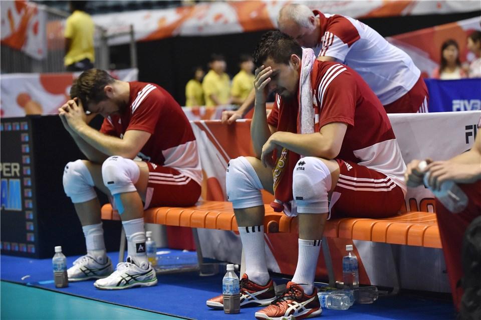 Символичное фото. Польша после проиграша итальянцам останавливается в шаге от заветной путёвки в Рио
