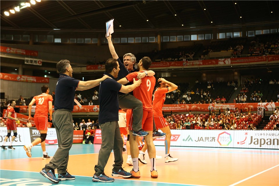 http://www.fivb.org/Vis2009/Images/GetImage.asmx?No=201620539&maxSize=960