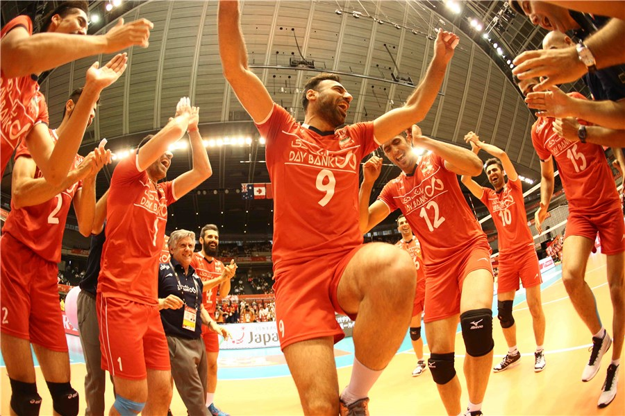 http://www.fivb.org/Vis2009/Images/GetImage.asmx?No=201620543&width=900&height=600&stretch=uniform
