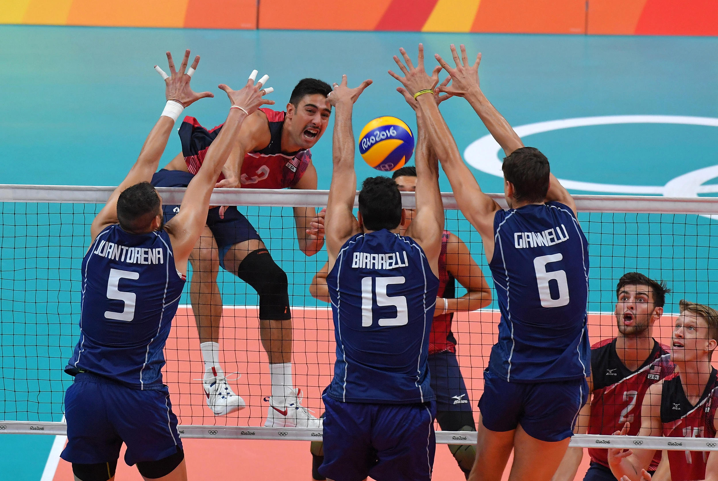 http://www.fivb.org/Vis2009/Images/GetImage.asmx?No=201653317&maxSize=960