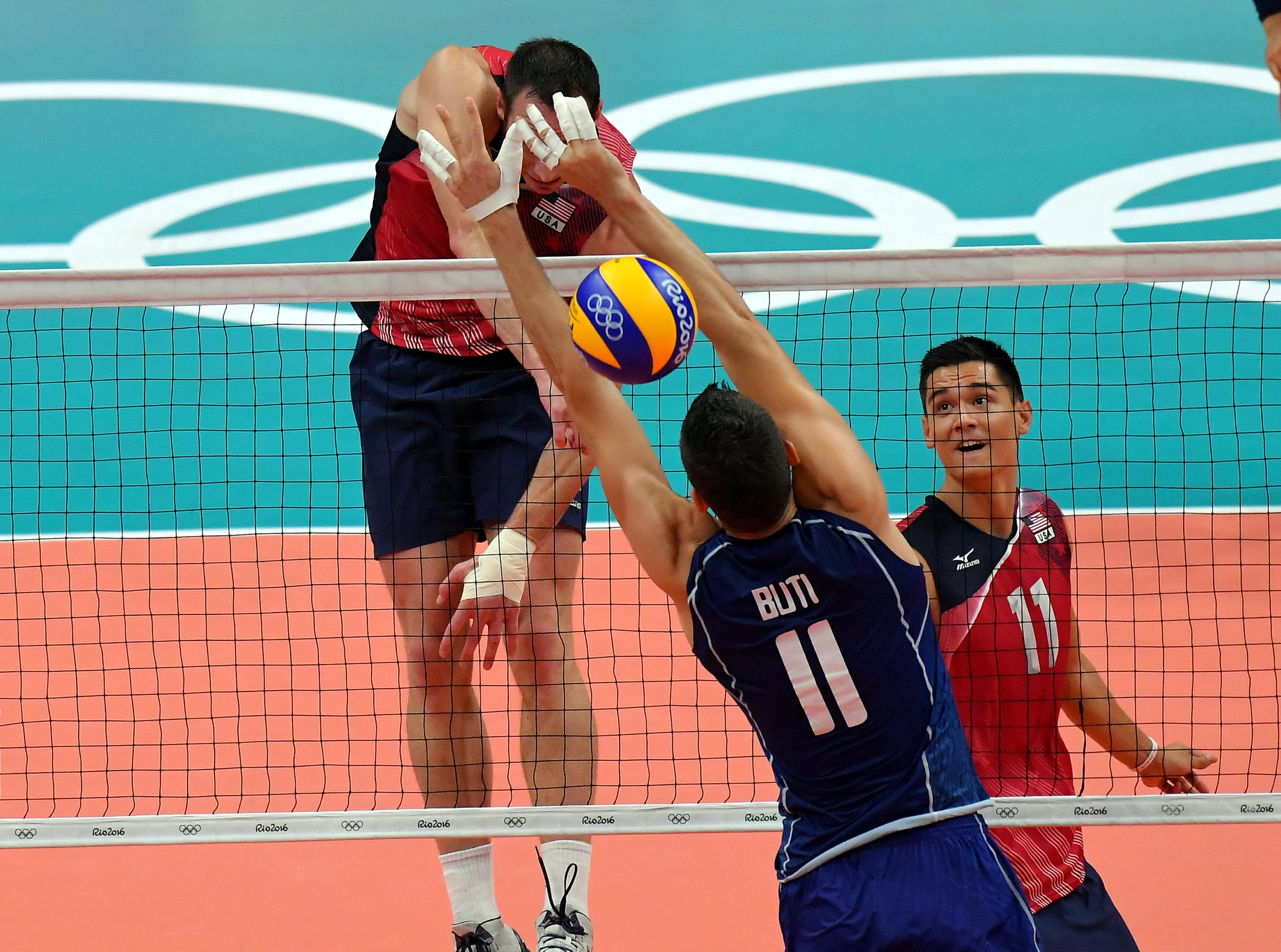 http://www.fivb.org/Vis2009/Images/GetImage.asmx?No=201653324&maxSize=960