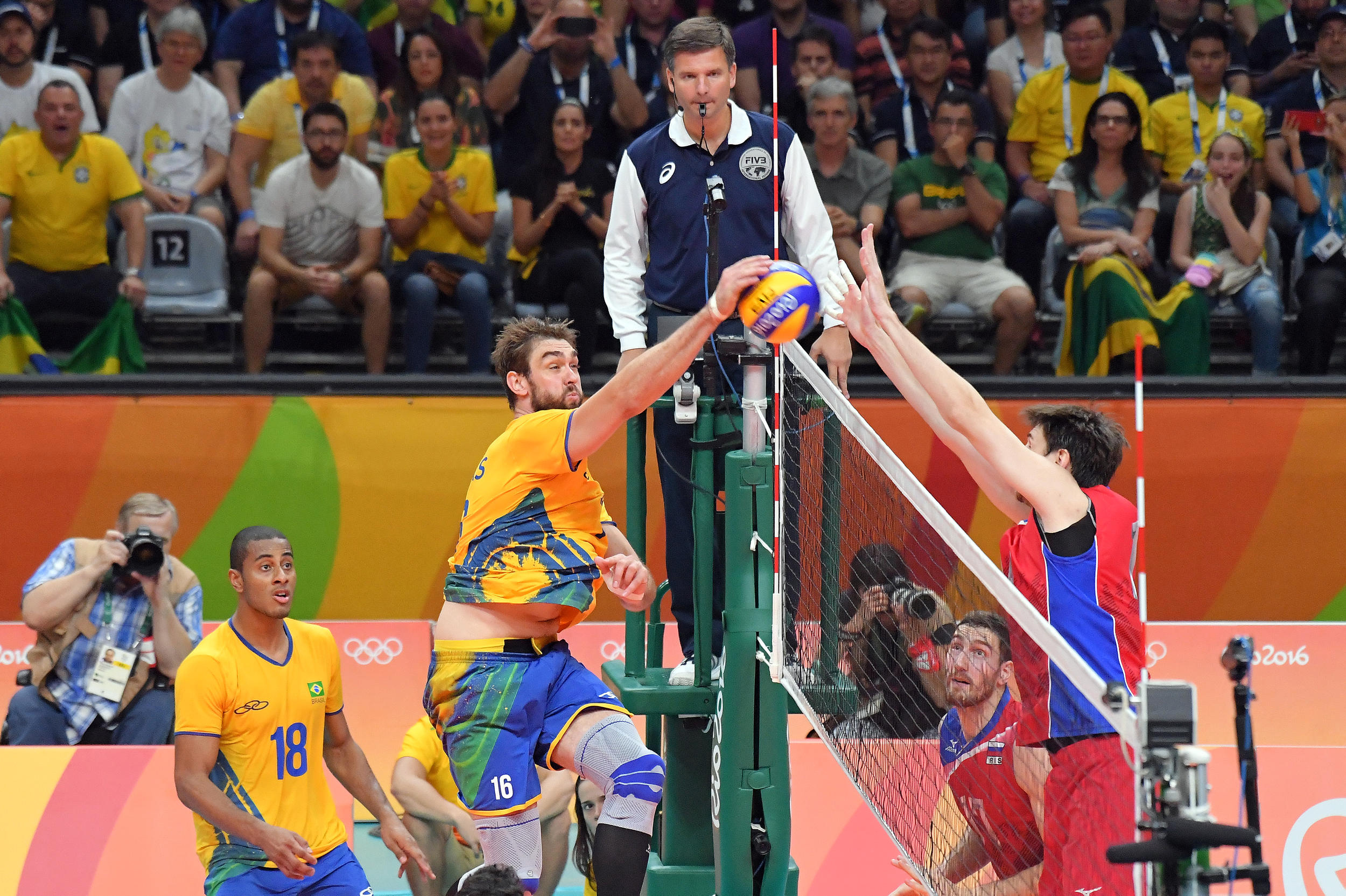http://www.fivb.org/Vis2009/Images/GetImage.asmx?No=201653487&maxSize=960