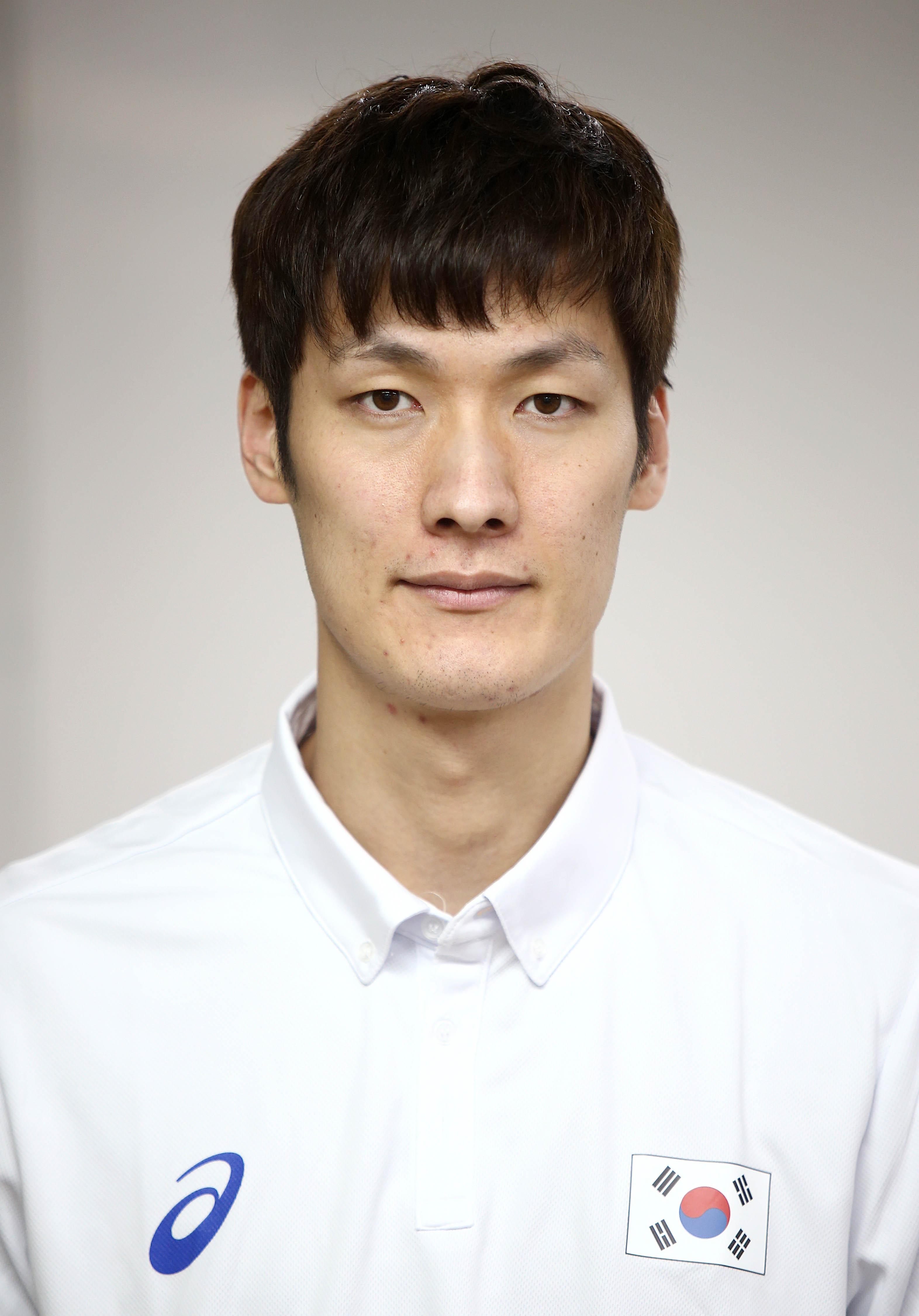 Sang-Houn Jin