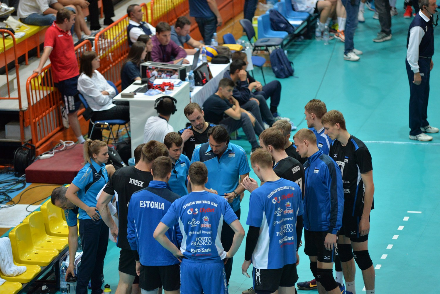 Täht scores 18 points for Estonia in a three-set win against