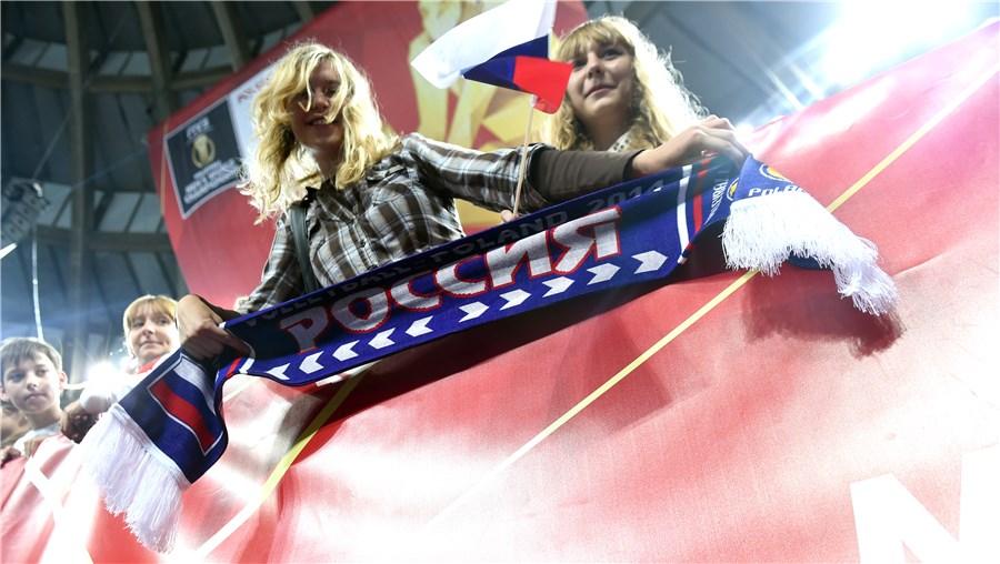 عکس تماشاگران زن جام جهانی والیبال