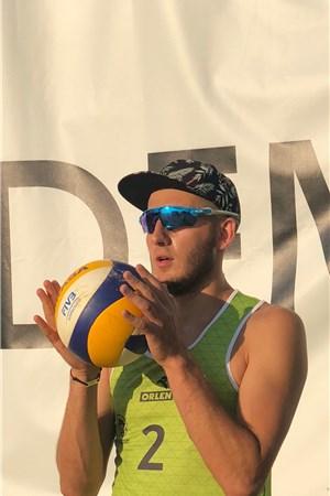 Piotr Groszek