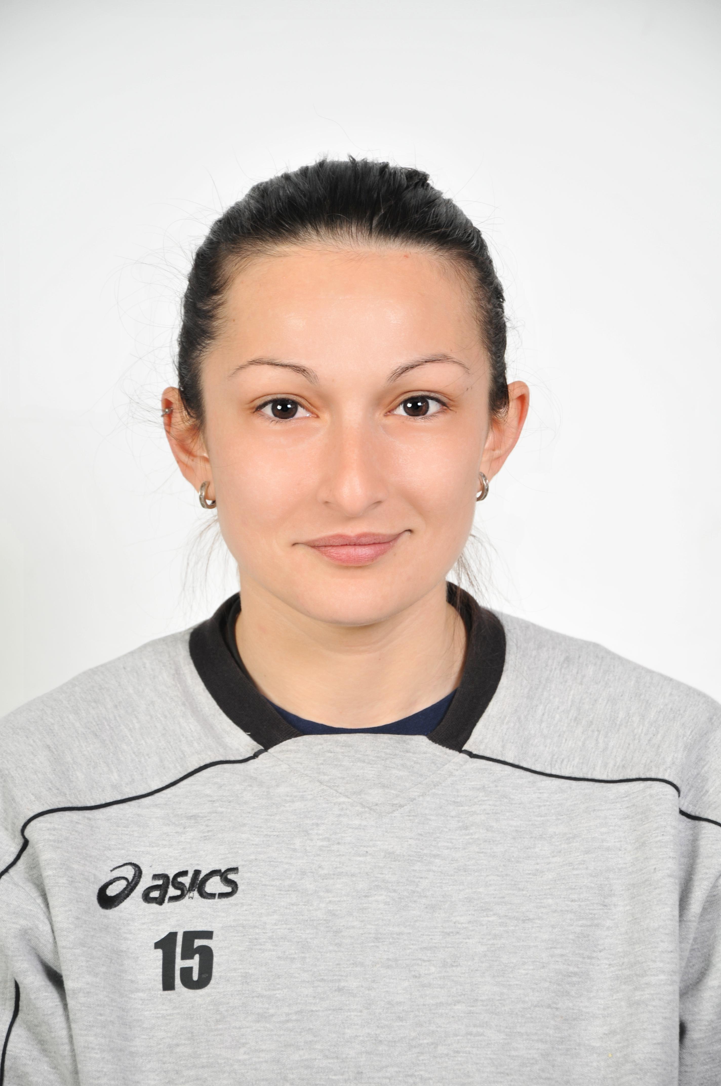 Ivelina Monova