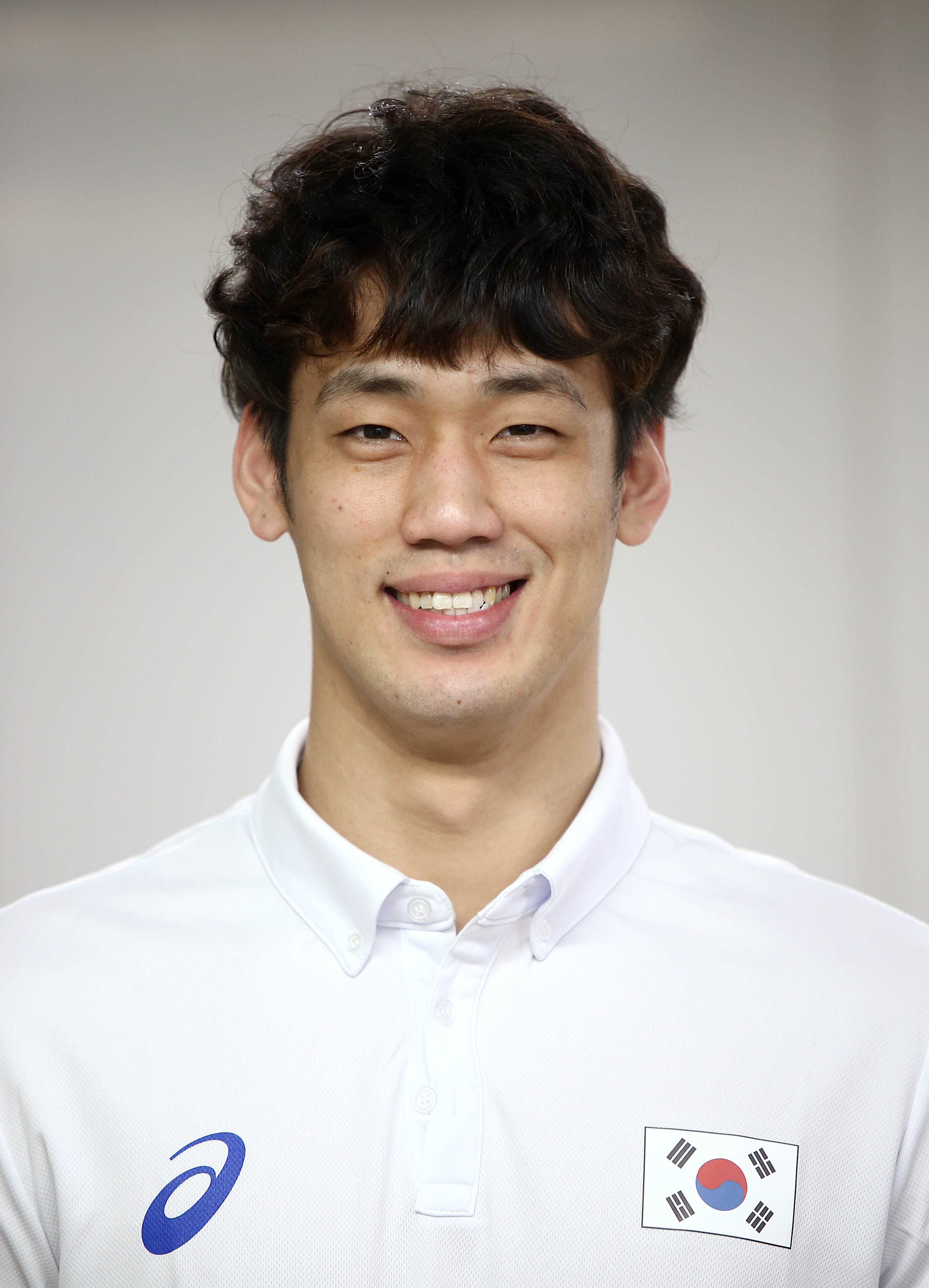 Kang-Won Lee