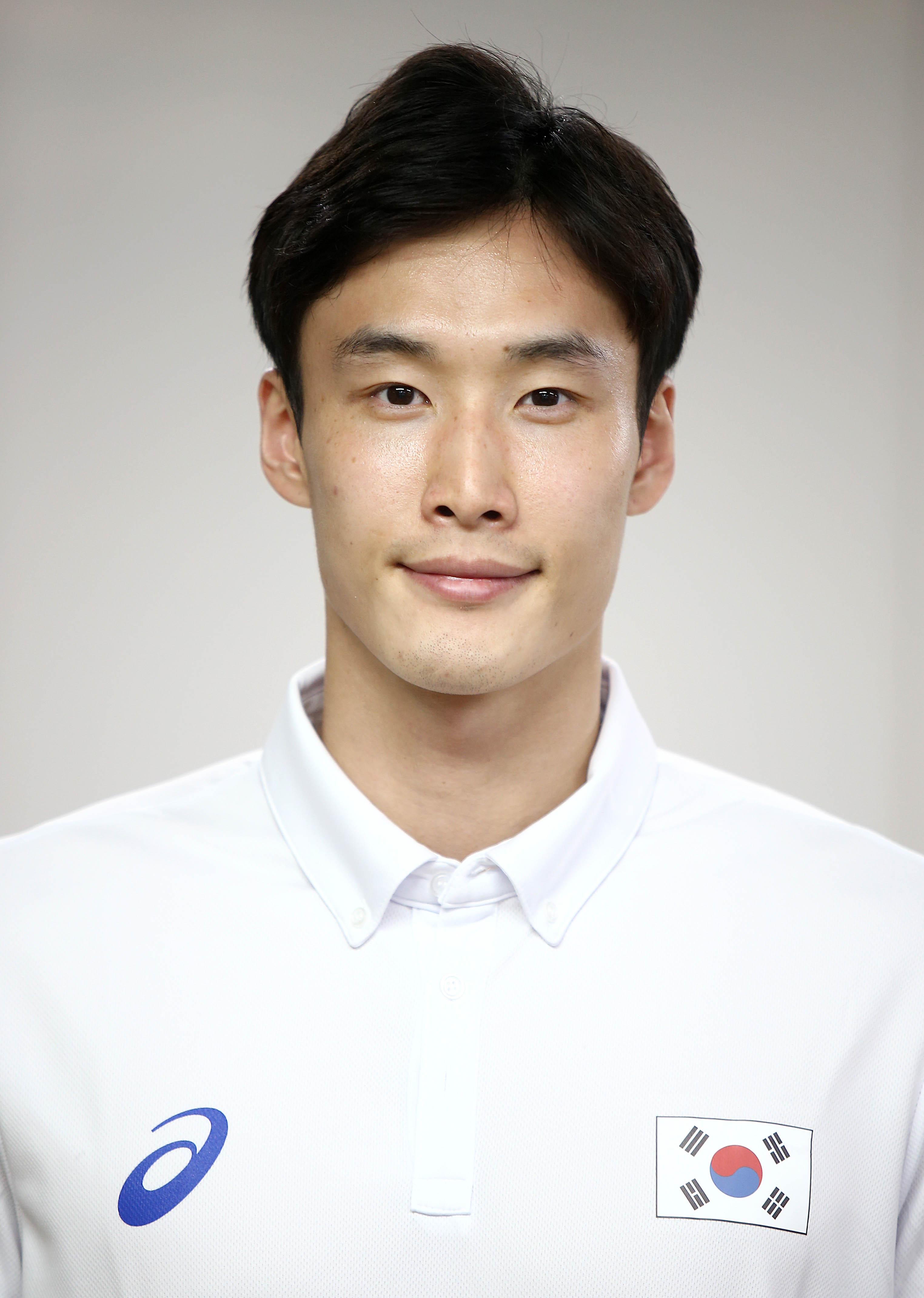 Hong-Suk Choi