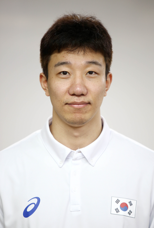 Yung-Suk Shin