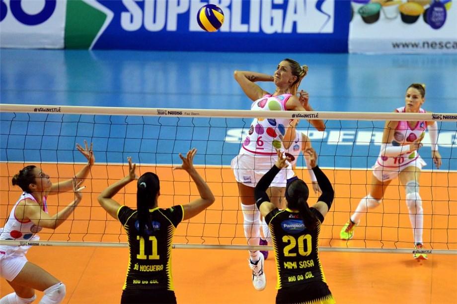 thaisa menezes brazil middle blocker naked volleyball player