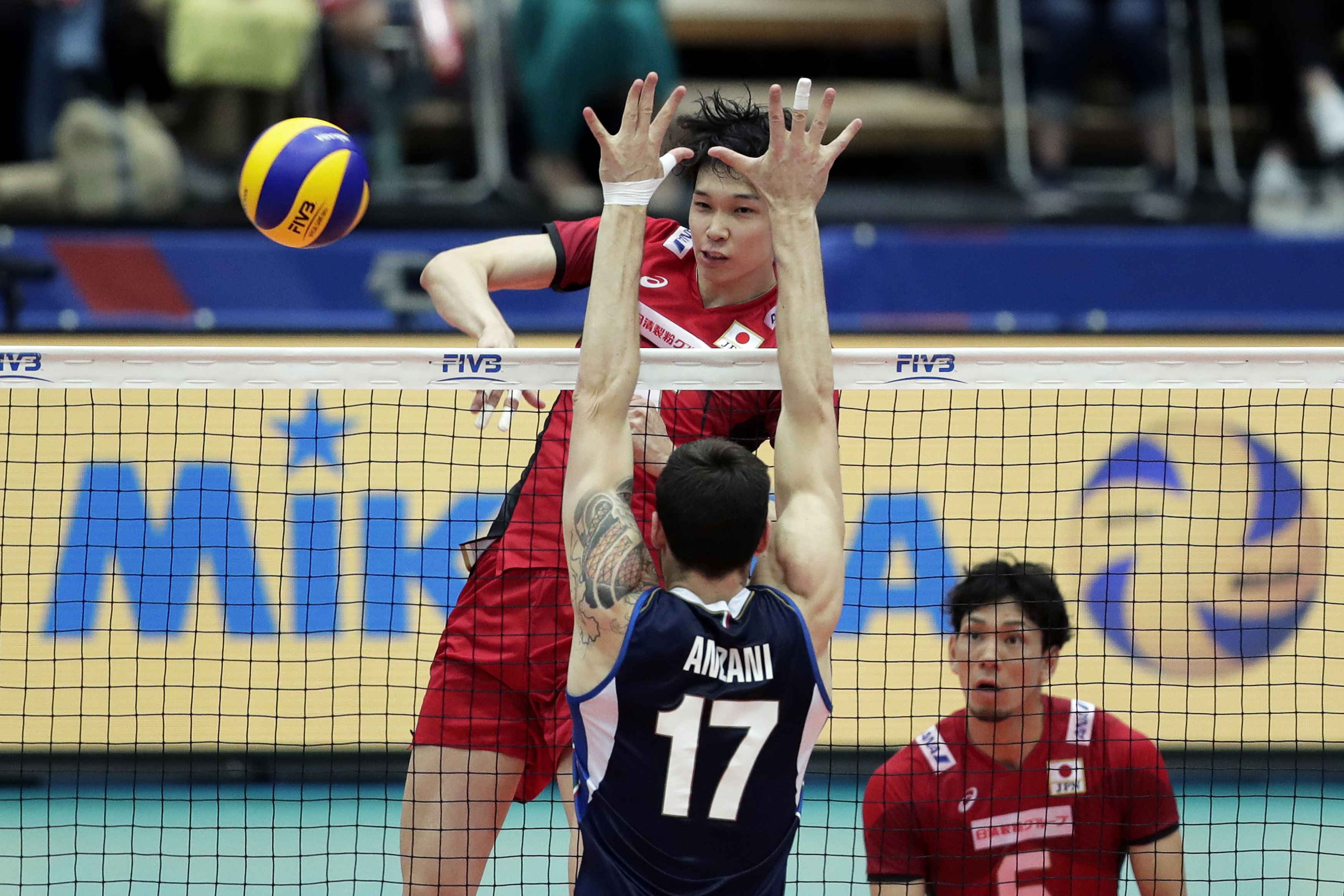 Vnl2018 News Detail Nishida On Fire In Japan S Thrilling Upset Over Italy Fivb Volleyball Nations League 2018